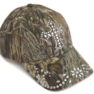 Blazin Roxx Nailhead Cross Camo Mossy Oak Hat